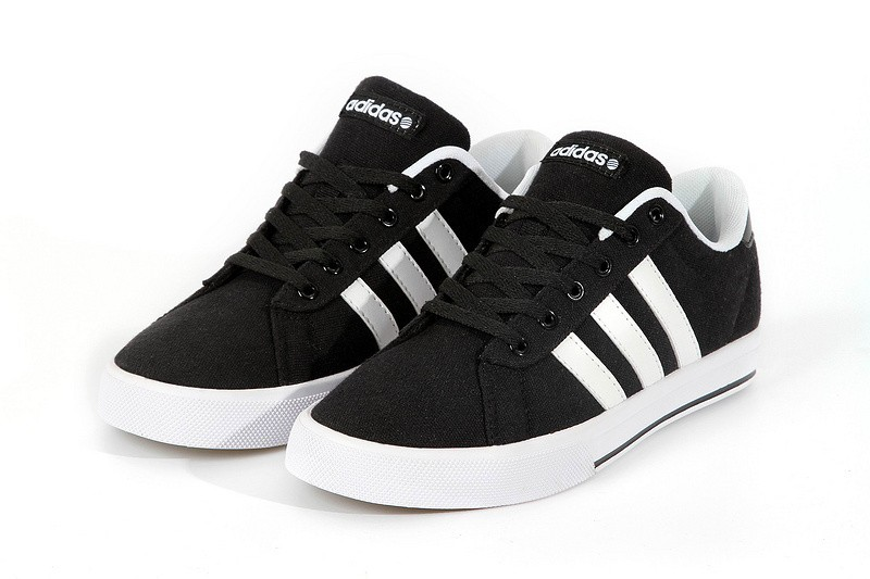 adidas neo noir et blanc